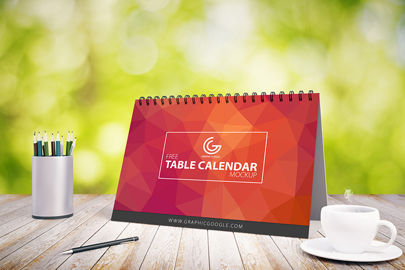 free-awesome-table-calendar-mock-up-2