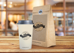 Free Coffee Cup With Paper Bag Packaging Mockup PSD