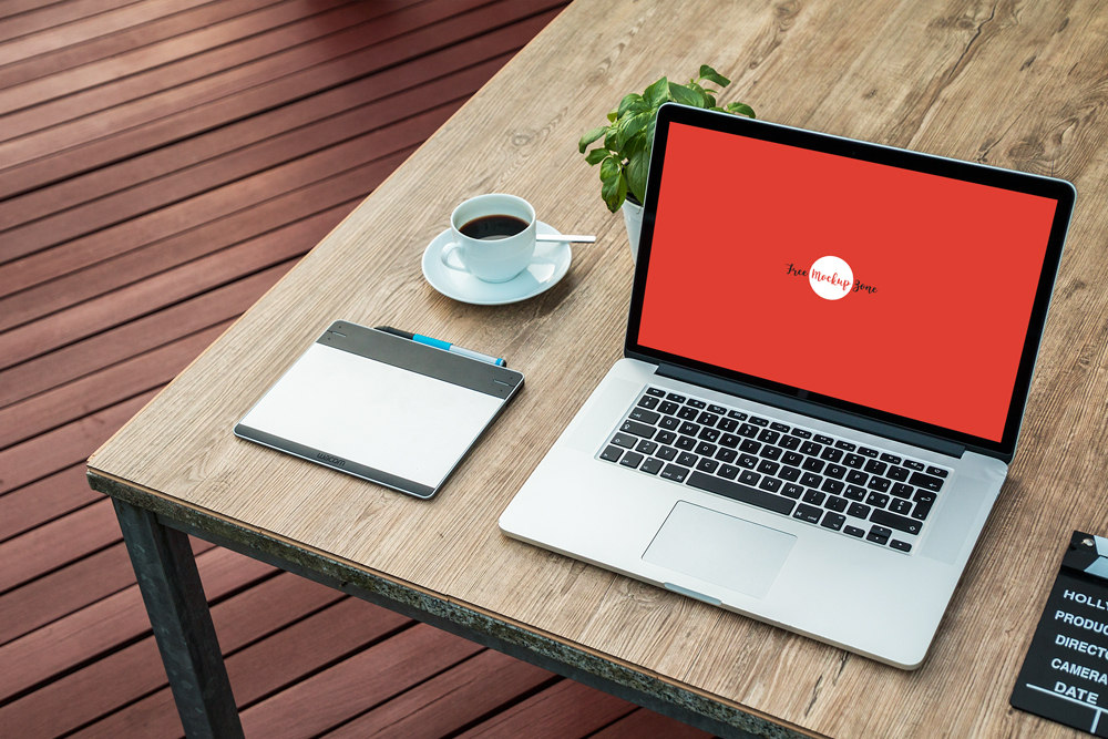 Free-Laptop-Screen-Mockup-PSD
