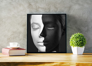 Free-Delicate-Photo-Frame-Mockup-600.jpg