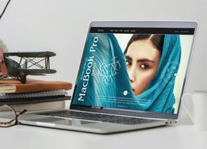Free-PSD-Website-Showcase-MacBook-Pro-Mockup-300.jpg